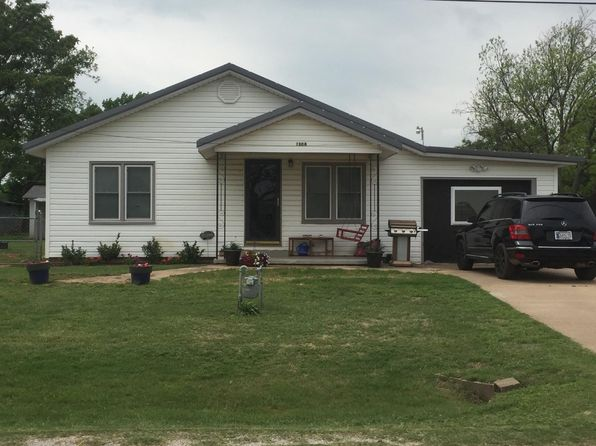 3 bed 1 bath Single Family at 1308 N Meridian St Waurika, OK, 73573 is for sale at 40k - 1 of 7