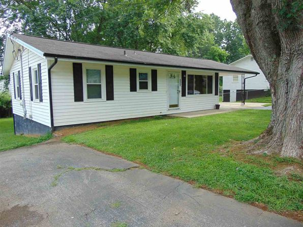 3 bed 1 bath Single Family at 1333 Carmichael St Morristown, TN, 37814 is for sale at 66k - 1 of 21