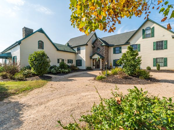 6 bed 7 bath Single Family at 5024 Leeds Manor Rd Hume, VA, 22639 is for sale at 995k - 1 of 30