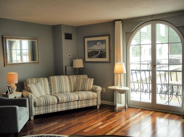 1 bed 1 bath Condo at 100 MARINA DR QUINCY, MA, 02171 is for sale at 359k - 1 of 10