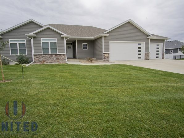 3 bed 2 bath Single Family at 188 N Churchill Cir N Sioux City, SD, 57049 is for sale at 305k - 1 of 17