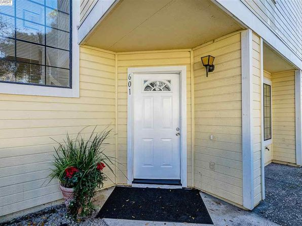 2 bed 3 bath Condo at 601 Devonwood Hercules, CA, 94547 is for sale at 411k - 1 of 7