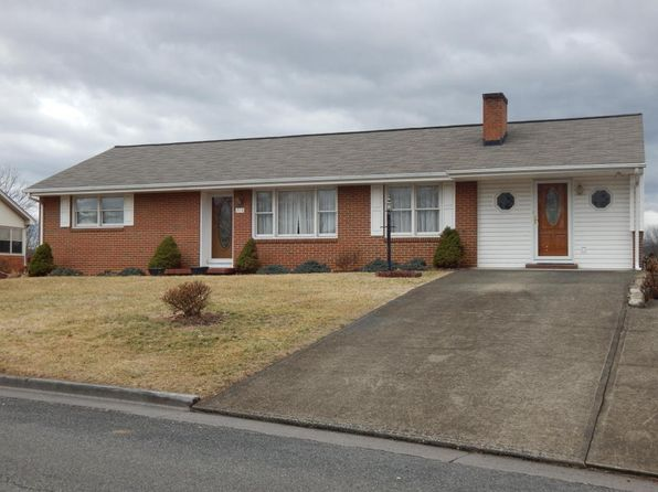 4 bed 4 bath Single Family at 715 Dillon Dr Vinton, VA, 24179 is for sale at 170k - 1 of 23