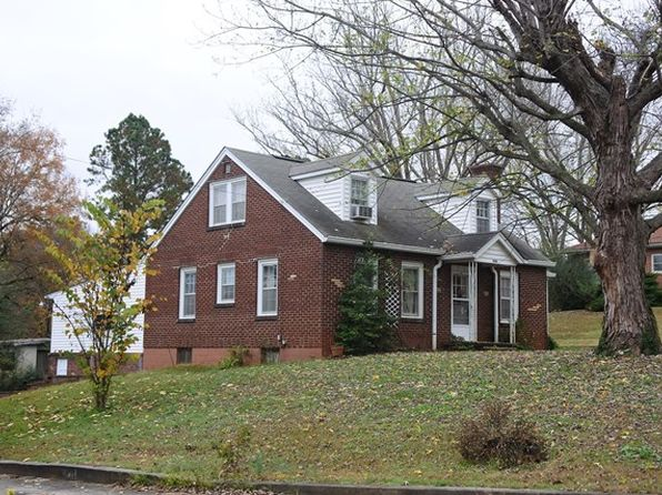 4 bed 3 bath Single Family at 206-208 Bussell St Livingston, TN, 38570 is for sale at 119k - 1 of 44