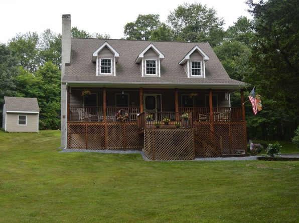 3 bed 3 bath Single Family at 453 N Quaker Ln Hyde Park, NY, 12538 is for sale at 320k - 1 of 19