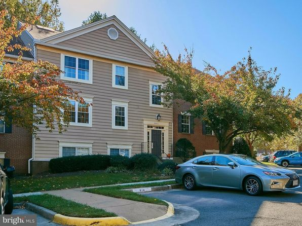 3 bed 2 bath Townhouse at 12011 Golf Ridge Ct Fairfax, VA, 22033 is for sale at 275k - 1 of 30