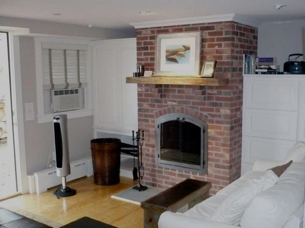 1 bed 1 bath Condo at 381 Commercial St Provincetown, MA, 02657 is for sale at 439k - 1 of 13