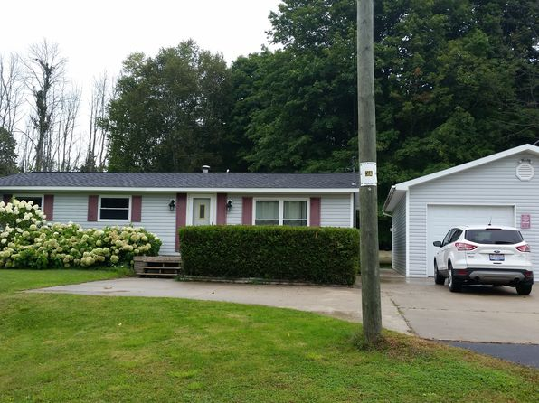 3 bed 1 bath Single Family at 05580 Barnard Rd Charlevoix, MI, 49720 is for sale at 140k - 1 of 17