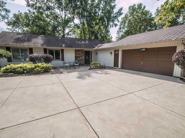 3 bed 2 bath Single Family at 10751 Gate Post Rd Strongsville, OH, 44149 is for sale at 190k - 1 of 31
