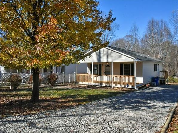 2 bed 2 bath Single Family at 10 TRADE ST ARDEN, NC, 28704 is for sale at 189k - 1 of 24