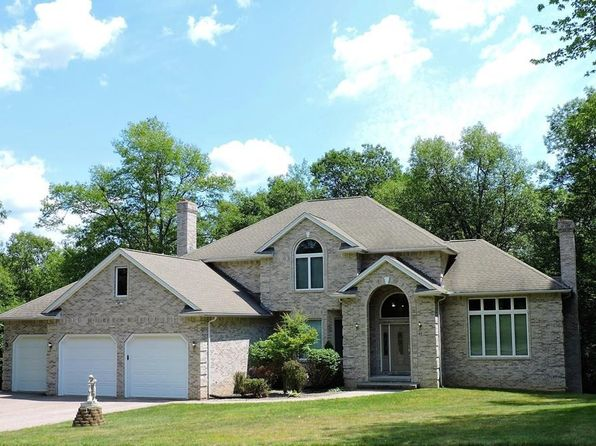 3 bed 3 bath Single Family at 33 DINIS ST LUDLOW, MA, 01056 is for sale at 440k - 1 of 30