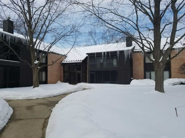 2 bed 2 bath Condo at 710 Saint Andrews Ln Crystal Lake, IL, 60014 is for sale at 119k - 1 of 18