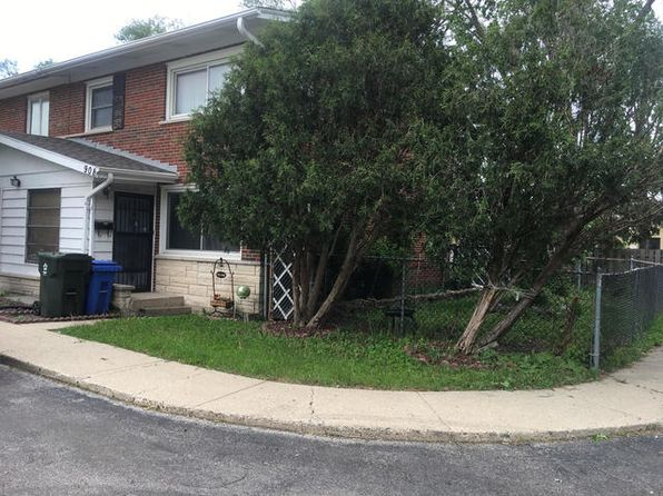 3 bed 2 bath Townhouse at 908 N Boxwood Dr Mount Prospect, IL, 60056 is for sale at 260k - 1 of 10