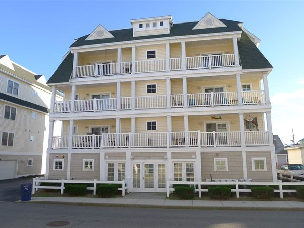 2 bed 2 bath Condo at 17 K St Hampton, NH, 03842 is for sale at 329k - 1 of 11