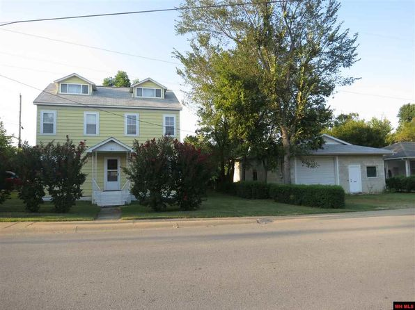 4 bed 2 bath Single Family at 101 E 3rd St Mountain Home, AR, 72653 is for sale at 100k - 1 of 13