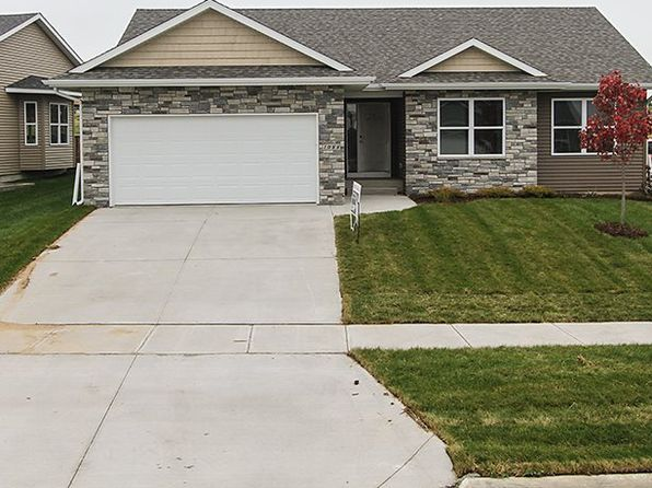3 bed 2 bath Single Family at 1088 Langenberg Ave Iowa City, IA, 52240 is for sale at 275k - 1 of 16