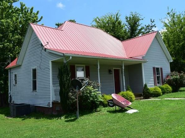 2 bed 1 bath Single Family at 108 College St S Mc Ewen, TN, 37101 is for sale at 69k - 1 of 12