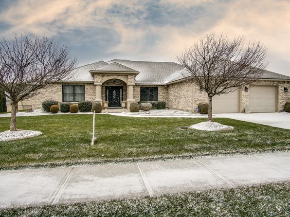 3 bed 3 bath Single Family at 675 Kimmel Trl Brookville, OH, 45309 is for sale at 300k - 1 of 46