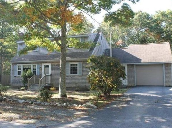 4 bed 2 bath Single Family at 19 Halfmoon Cir Falmouth, MA, 02536 is for sale at 470k - 1 of 20
