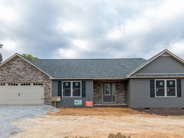 3 bed 2 bath Single Family at 7020 Maxwell Lndg Baxter, TN, 38544 is for sale at 215k - 1 of 10