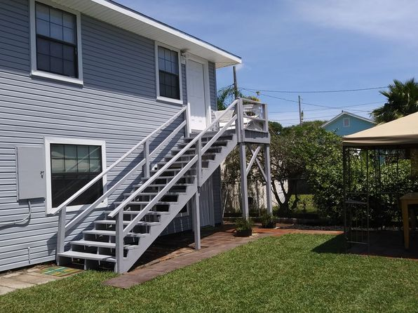 2 bed 2 bath Single Family at 3422 Avenue P 1/2 Galveston, TX, 77550 is for sale at 160k - 1 of 12
