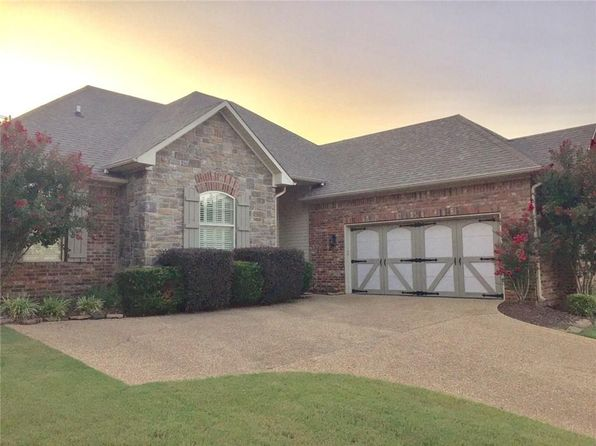 3 bed 3 bath Single Family at 2301 Park Ridge Dr Van Buren, AR, 72956 is for sale at 220k - 1 of 28