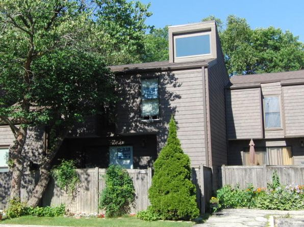 3 bed 2.5 bath Condo at 6983 W Glenbrook Rd Milwaukee, WI, 53223 is for sale at 80k - 1 of 15