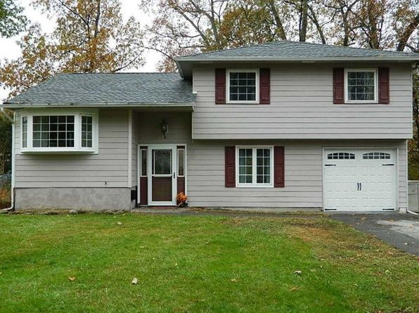 3 bed 2 bath Single Family at 6 Bellmore Dr Poughkeepsie, NY, 12603 is for sale at 255k - 1 of 26