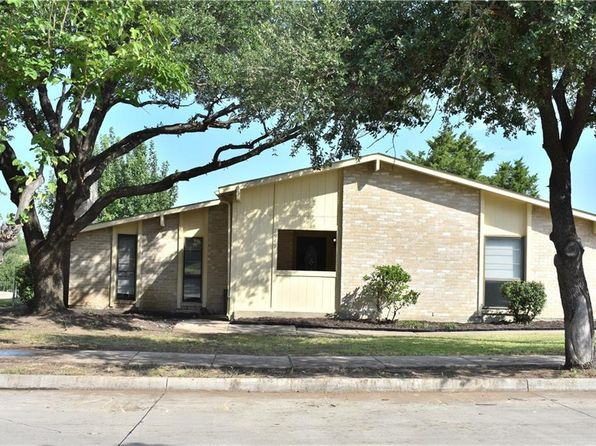 3 bed 2 bath Single Family at 2949 Scott Mill Rd Carrollton, TX, 75007 is for sale at 250k - 1 of 18