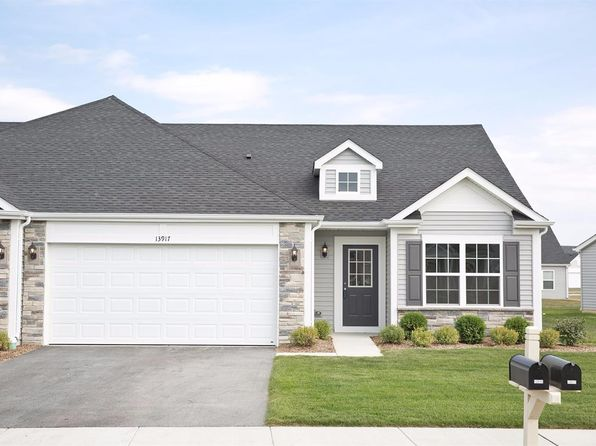 2 bed 1.75 bath Townhouse at 13917 Flagstaff St Cedar Lake, IN, 46303 is for sale at 181k - 1 of 8