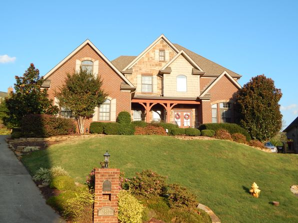 4 bed 3 bath Single Family at 2512 Bridge Valley Ln Knoxville, TN, 37932 is for sale at 460k - google static map