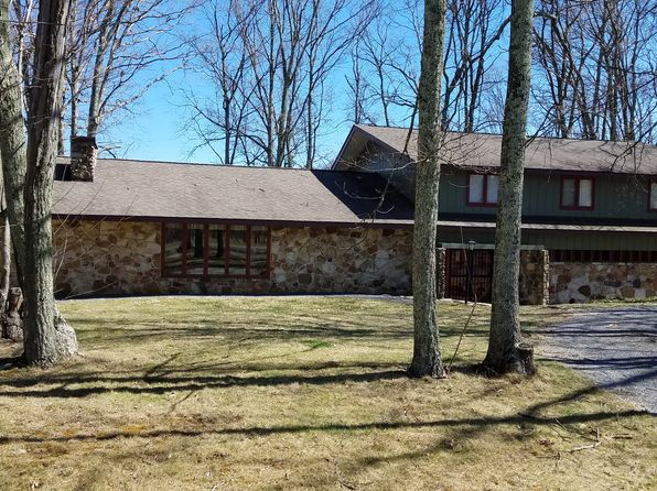 4 bed 4 bath Single Family at 3586 Bent Mountain Rd Lerona, WV, 25971 is for sale at 250k - 1 of 3