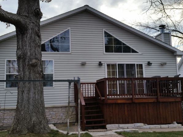 2 bed 2 bath Single Family at 42450 N Witt Rd Antioch, IL, 60002 is for sale at 340k - 1 of 32