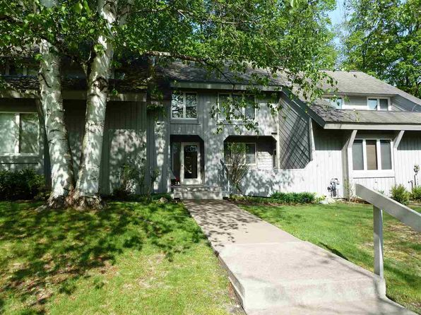 3 bed 3 bath Condo at 04040 Wildwood Dr Boyne City, MI, 49712 is for sale at 315k - 1 of 25