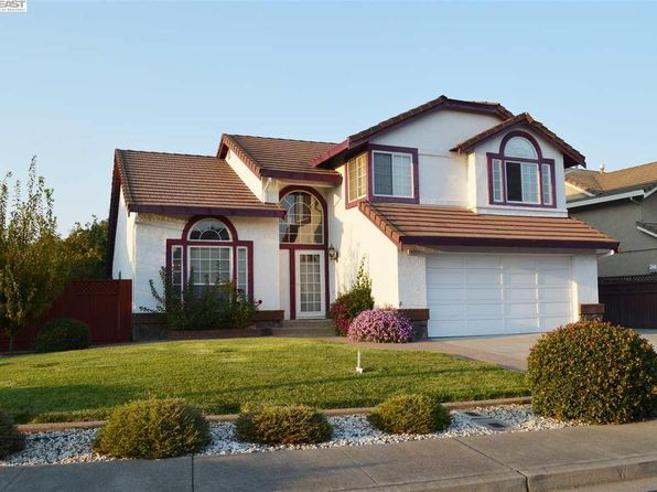 4 bed 3 bath Single Family at 1727 White Oak Ln Union City, CA, 94587 is for sale at 1.07m - 1 of 28