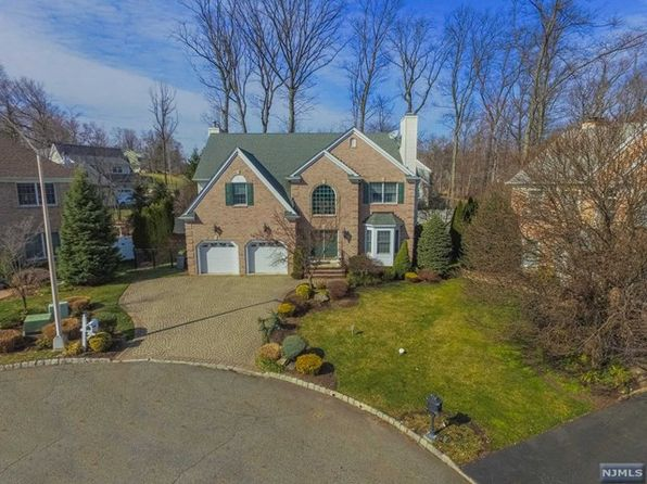 4 bed 3.5 bath Single Family at 601 Bridle Path Wyckoff, NJ, 07481 is for sale at 1.08m - 1 of 24