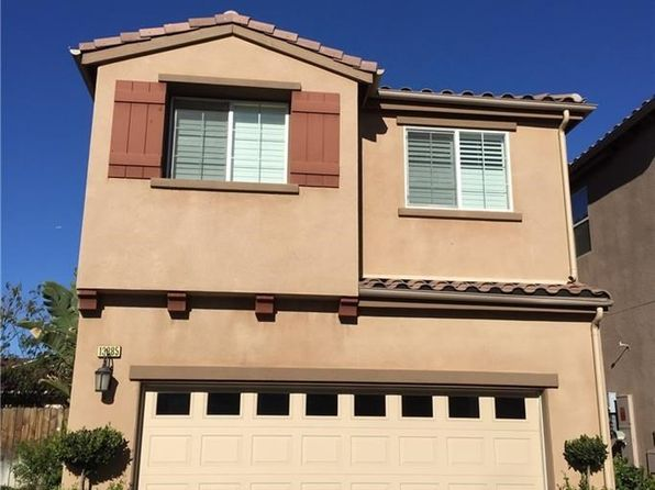 3 bed 3 bath Townhouse at 13385 ELSIE LN SYLMAR, CA, 91342 is for sale at 440k - 1 of 14