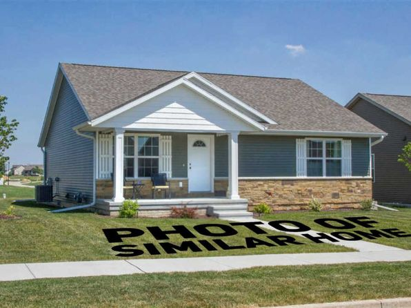 3 bed 3 bath Single Family at 1556 Parkview Ln Davenport, IA, 52807 is for sale at 250k - 1 of 23