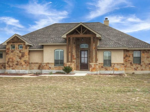 4 bed 3 bath Single Family at 117 Abrego Run Dr Floresville, TX, 78114 is for sale at 335k - 1 of 47