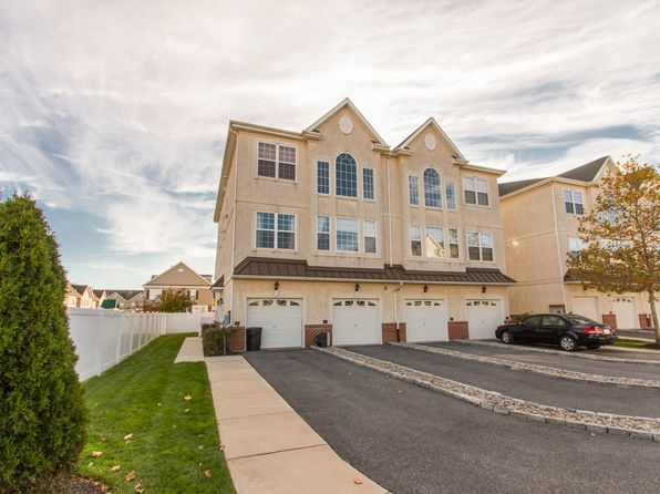 2 bed 3 bath Townhouse at 2102 Verona Dr Philadelphia, PA, 19145 is for sale at 365k - 1 of 20