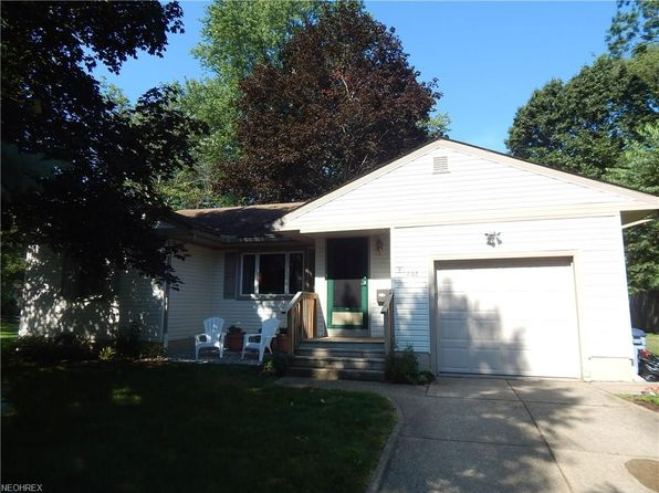 3 bed 1 bath Single Family at 2866 Park Dr N Silver Lake, OH, 44224 is for sale at 170k - 1 of 18