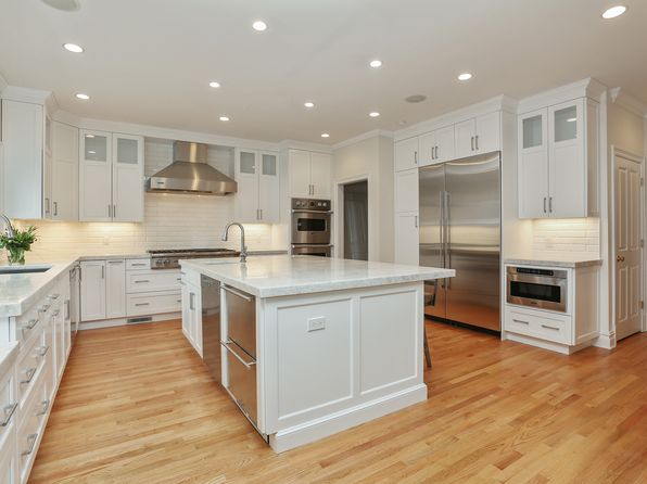 6 bed 7 bath Single Family at 116 Fox Meadow Rd Scarsdale, NY, 10583 is for sale at 2.75m - 1 of 27