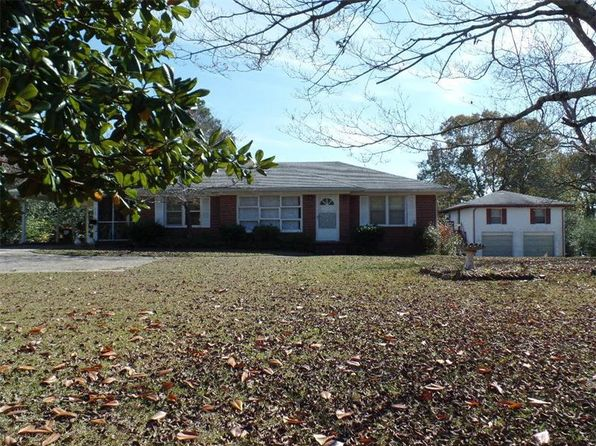 3 bed 1 bath Single Family at 4185 Bankhead Hwy Douglasville, GA, 30134 is for sale at 140k - 1 of 7