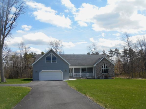 4 bed 2 bath Single Family at 490 State Highway 131 Massena, NY, 13662 is for sale at 285k - 1 of 22
