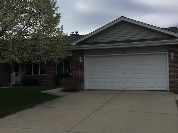 3 bed 2 bath Condo at 289 Whisper Ln Kewaskum, WI, 53040 is for sale at 185k - 1 of 19