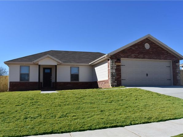 3 bed 2 bath Single Family at 1620 Secretariat Ln Prairie Grove, AR, 72753 is for sale at 150k - 1 of 5