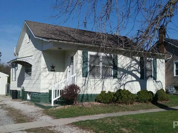 2 bed 1 bath Single Family at 307 N Green St Roanoke, IL, 61561 is for sale at 60k - 1 of 10