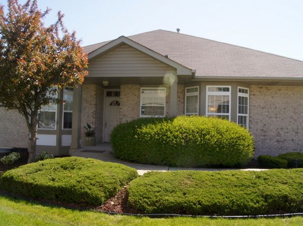 2 bed 2 bath Townhouse at 6876 Zurich Ln Tinley Park, IL, 60477 is for sale at 215k - 1 of 23
