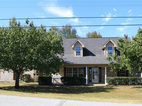 3 bed 3 bath Single Family at 604 Mill Pond Dr Phenix City, AL, 36870 is for sale at 180k - 1 of 29