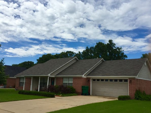 3 bed 2 bath Single Family at 32 Hawk Dr Vilonia, AR, 72173 is for sale at 126k - 1 of 4